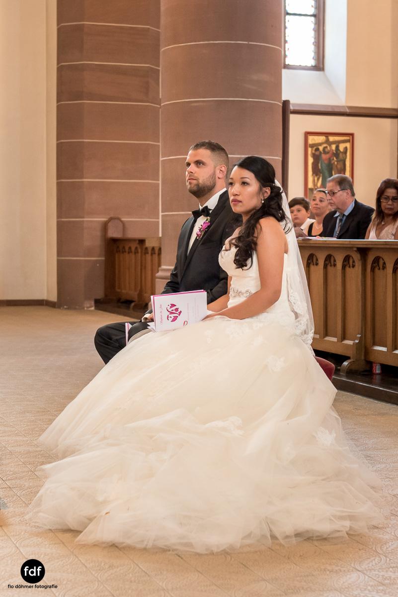 Hochzeit-S&J-Der-Tag-Kirche-Brautkleid-Wedding-8.JPG