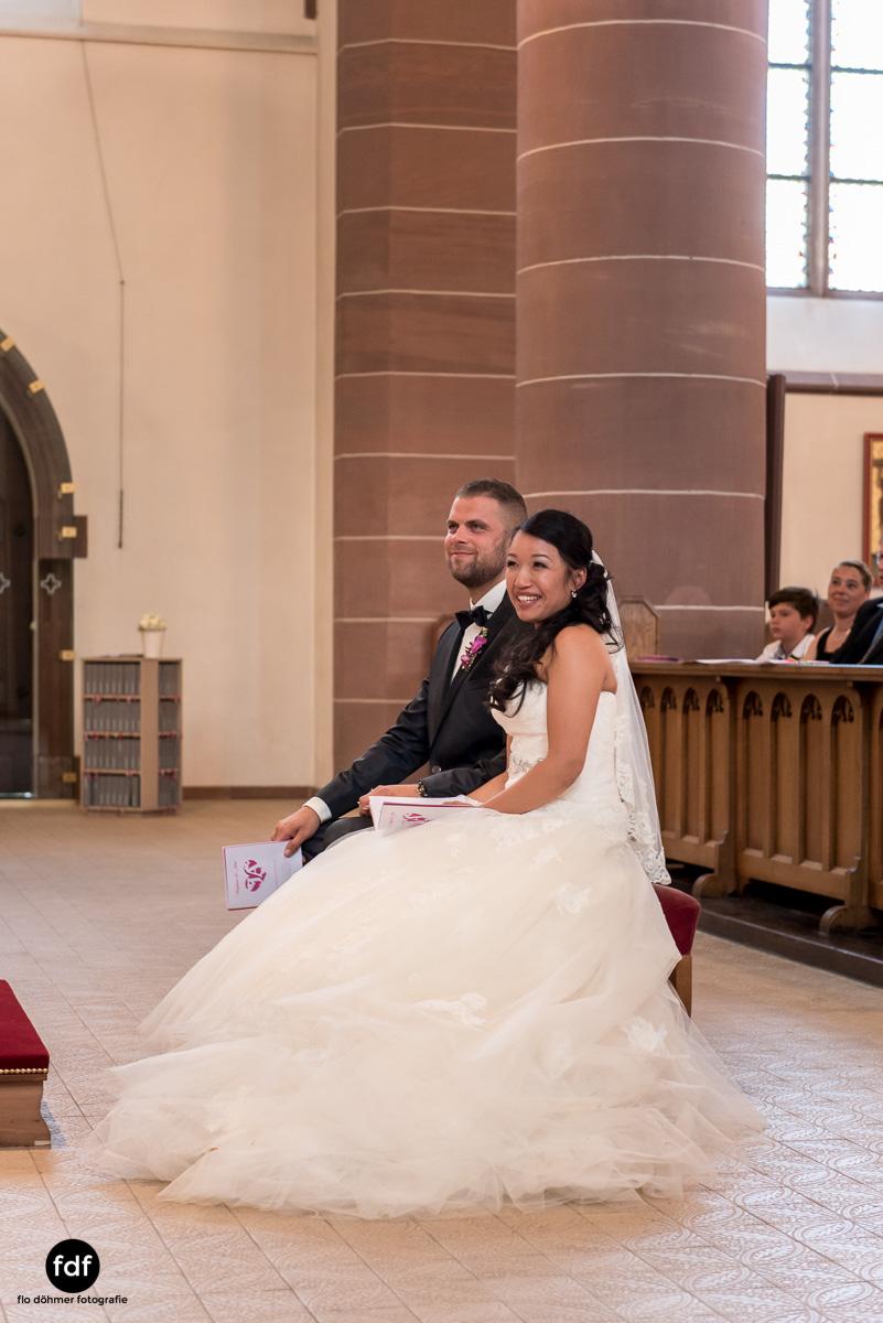 Hochzeit-S&J-Der-Tag-Kirche-Brautkleid-Wedding-11.JPG