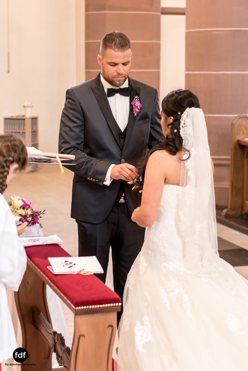 Hochzeit-S&J-Der-Tag-Kirche-Brautkleid-Wedding-18.JPG