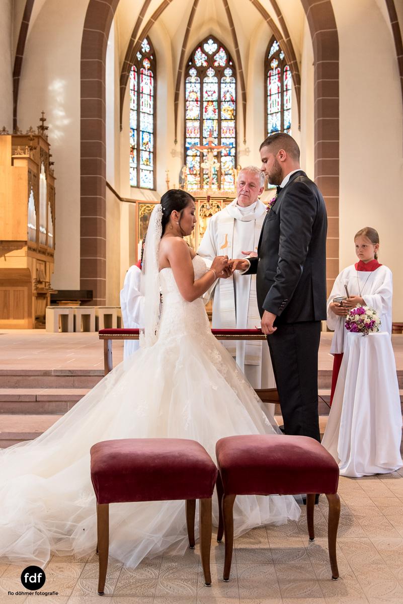 Hochzeit-S&J-Der-Tag-Kirche-Brautkleid-Wedding-19.JPG