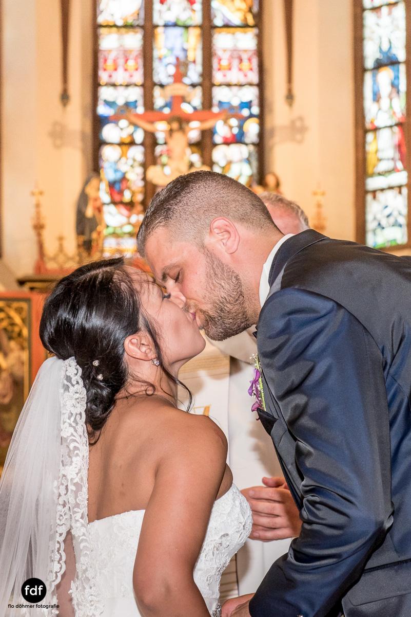 Hochzeit-S&J-Der-Tag-Kirche-Brautkleid-Wedding-20.JPG