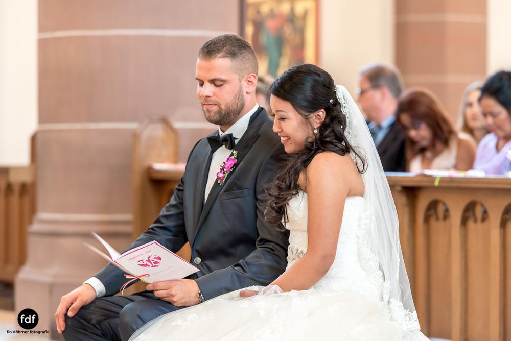 Hochzeit-S&J-Der-Tag-Kirche-Brautkleid-Wedding-23.JPG