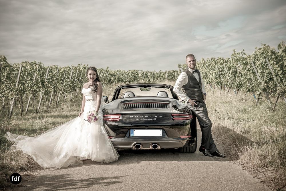 Hochzeit-S&J-Shooting-Porsche-911-Portraits-Brautkleid-Wedding-8.JPG