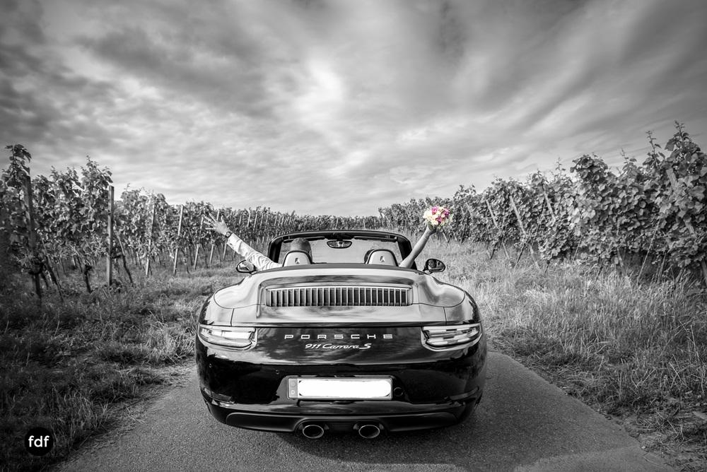 Hochzeit-S&J-Shooting-Porsche-911-Portraits-Brautkleid-Wedding-9.JPG