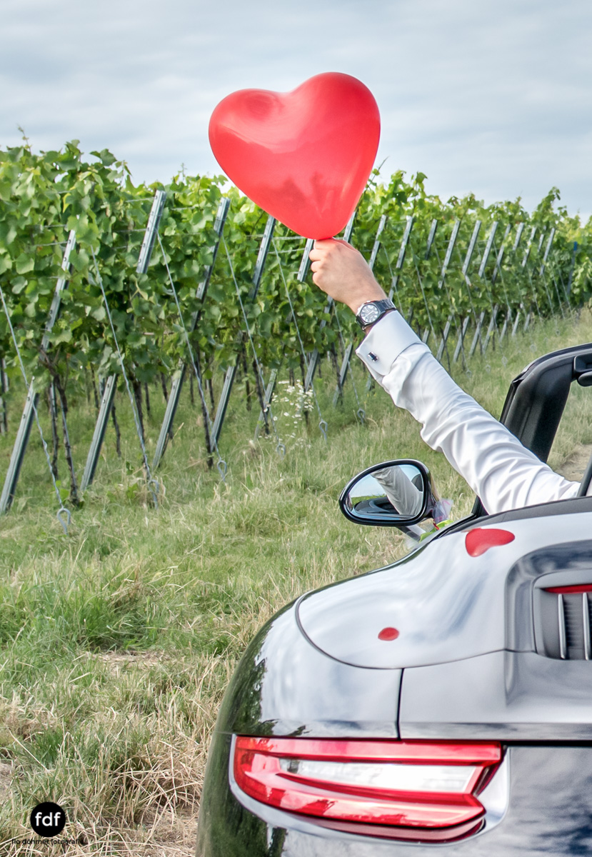 Hochzeit-S&J-Shooting-Porsche-911-Portraits-Brautkleid-Wedding-15.JPG