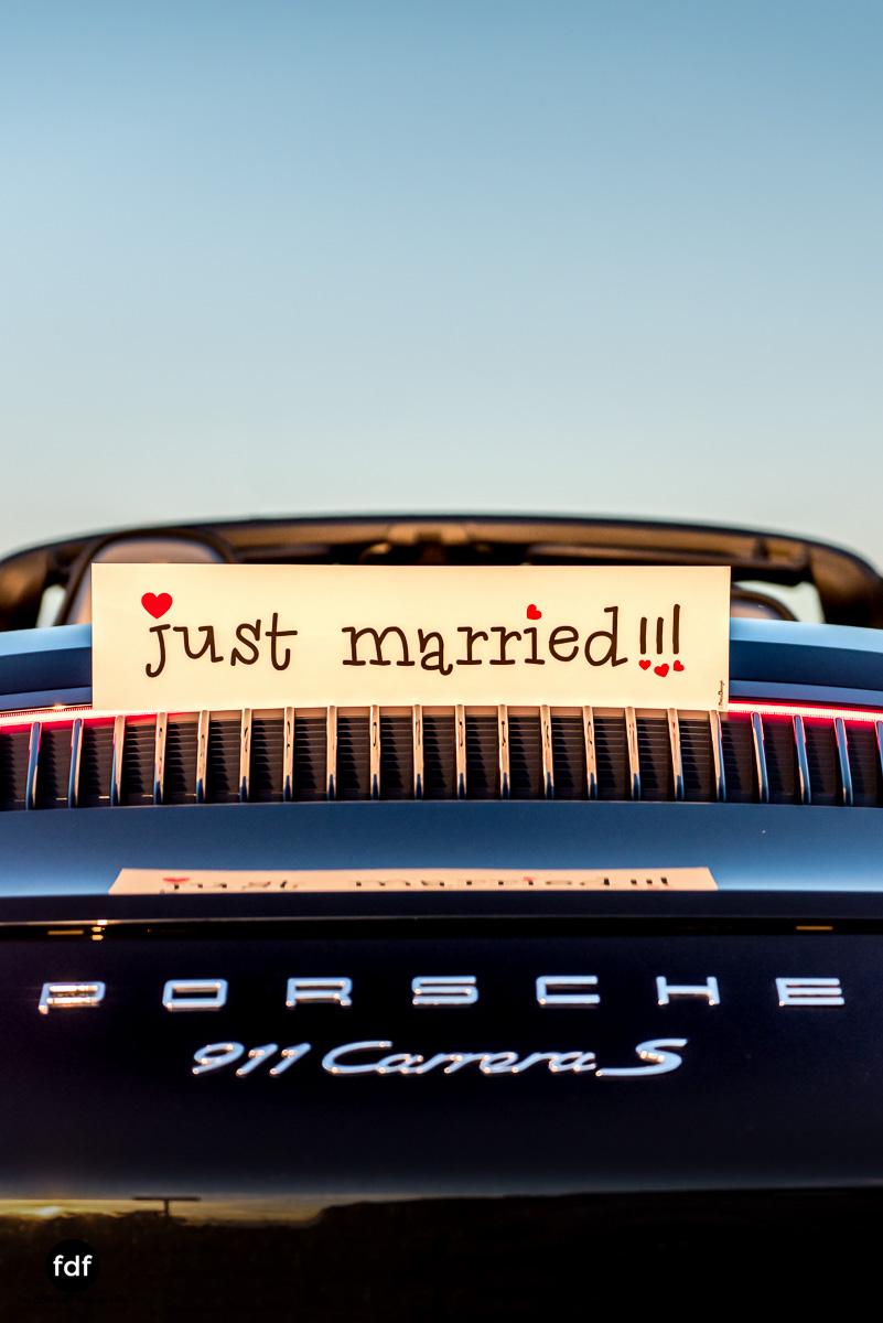 Hochzeit-S&J-Shooting-Porsche-911-Portraits-Brautkleid-Wedding-20.JPG