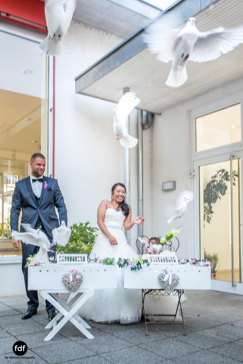 Hochzeit-S&J-Der-Tag-Kirche-Brautkleid-Wedding-27.JPG