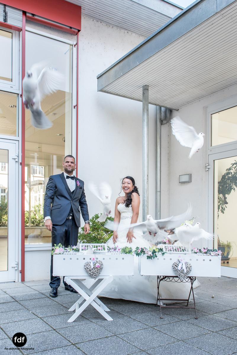 Hochzeit-S&J-Der-Tag-Kirche-Brautkleid-Wedding-28.JPG