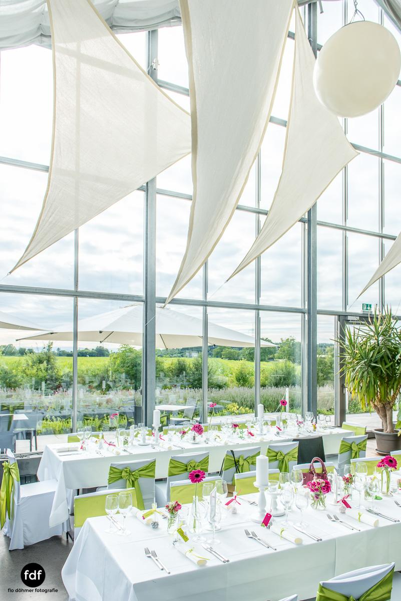 Hochzeit-S&J-Der-Tag-Kirche-Brautkleid-Wedding-30.JPG