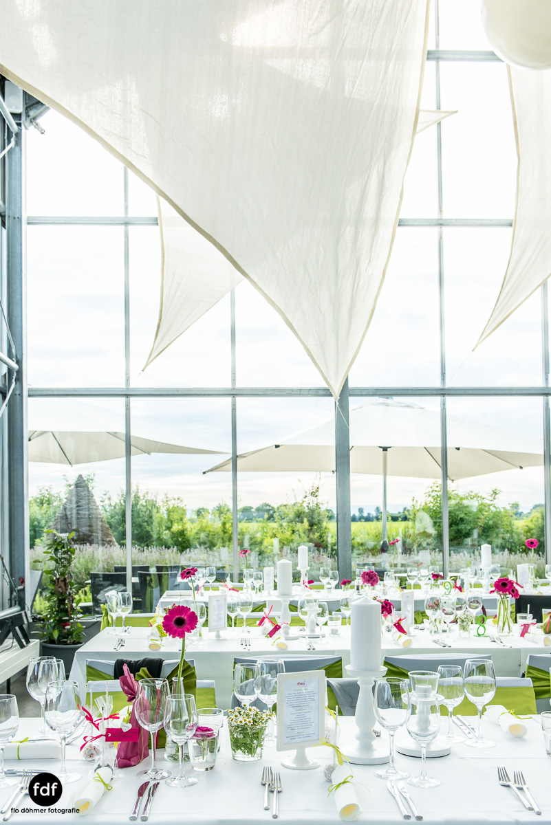 Hochzeit-S&J-Der-Tag-Kirche-Brautkleid-Wedding-31.JPG