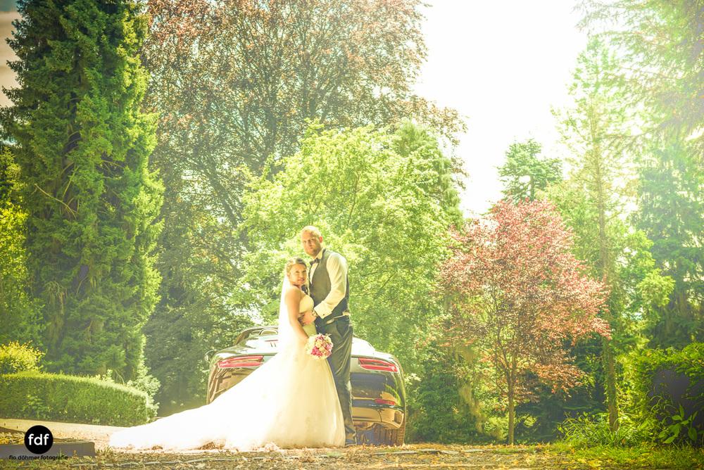 Hochzeit-S&J-Shooting-Porsche-911-Portraits-Brautkleid-Wedding-4.JPG