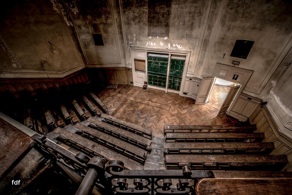 Pritzer-Fac-Fakultät-Uni-Auditorium-Lost-Place-Belgien-46.JPG