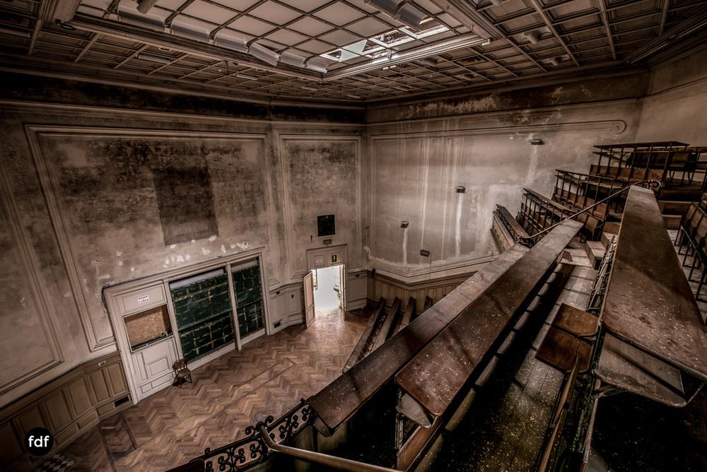 Pritzer-Fac-Fakultät-Uni-Auditorium-Lost-Place-Belgien-59.JPG