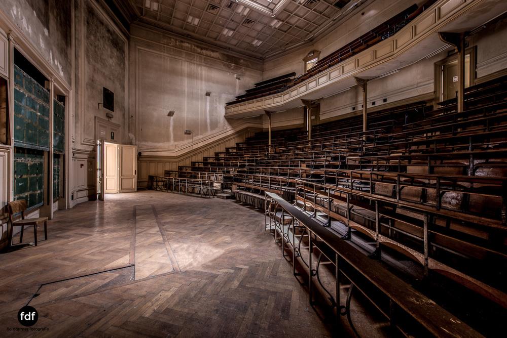 Pritzer-Fac-Fakultät-Uni-Auditorium-Lost-Place-Belgien-96.JPG