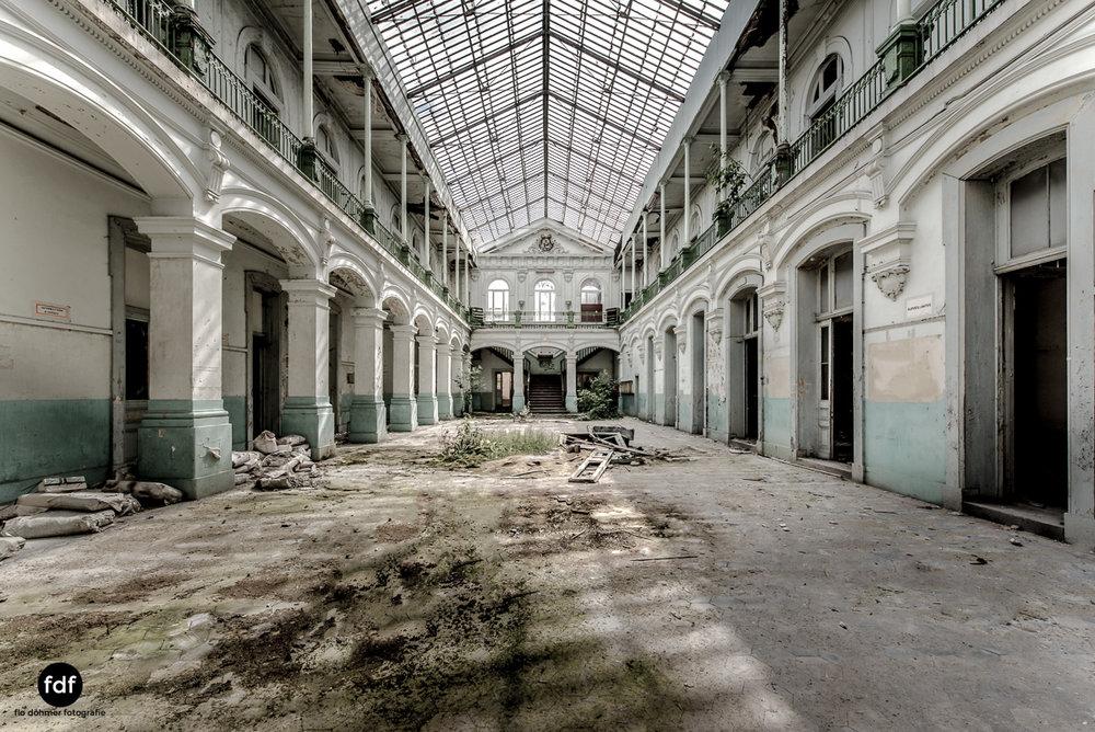 Lycee-V-Schule-Lost-Place-Belgien--2.JPG