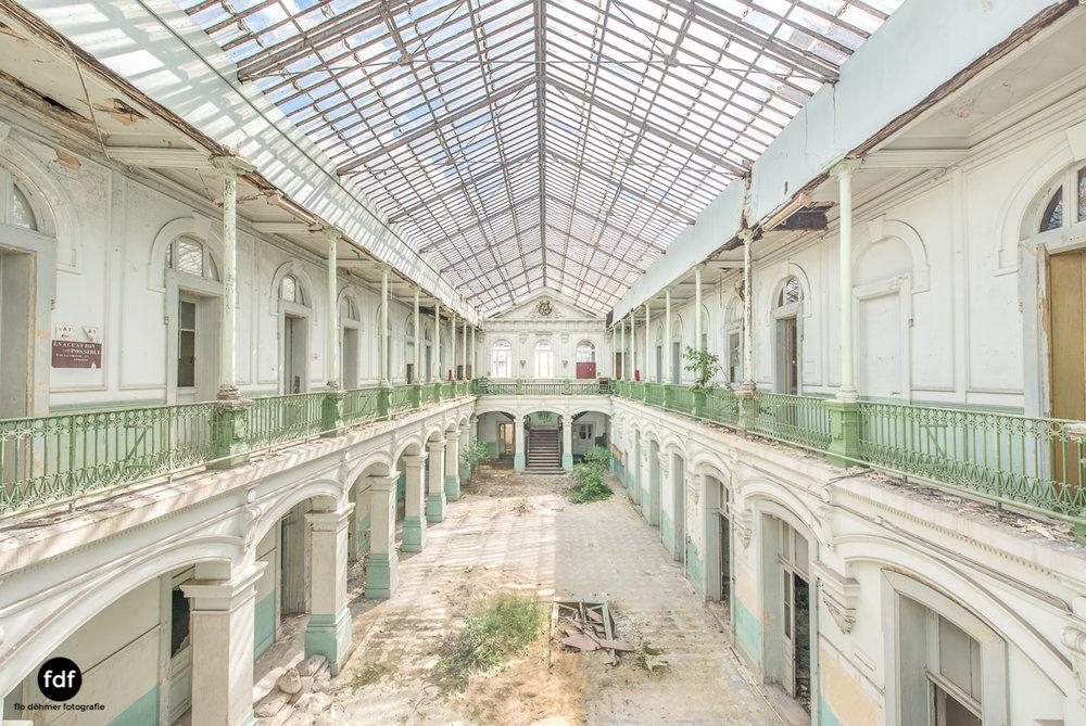 Lycee-V-Schule-Lost-Place-Belgien--4.JPG