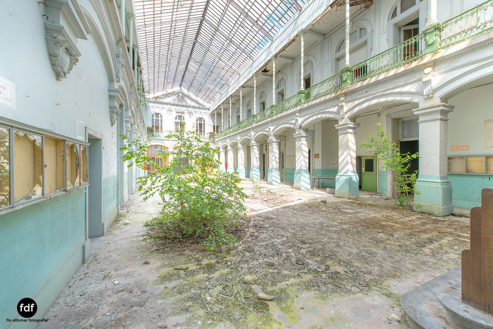 Lycee-V-Schule-Lost-Place-Belgien-6.JPG