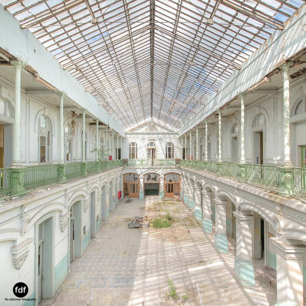 Lycee-V-Schule-Lost-Place-Belgien-8.JPG