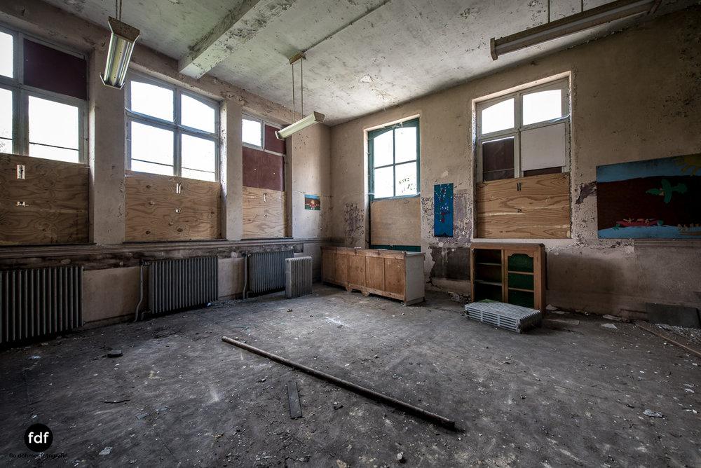 Lycee-V-Schule-Lost-Place-Belgien-32.JPG