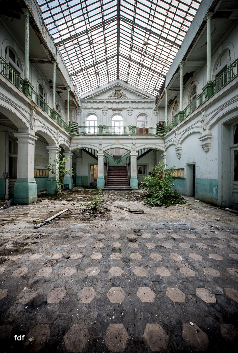Lycee-V-Schule-Lost-Place-Belgien-60.JPG