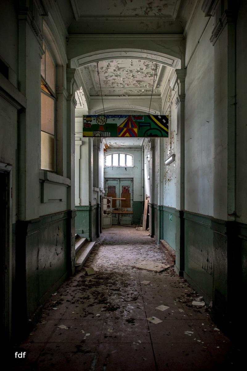 Lycee-V-Schule-Lost-Place-Belgien-75.JPG
