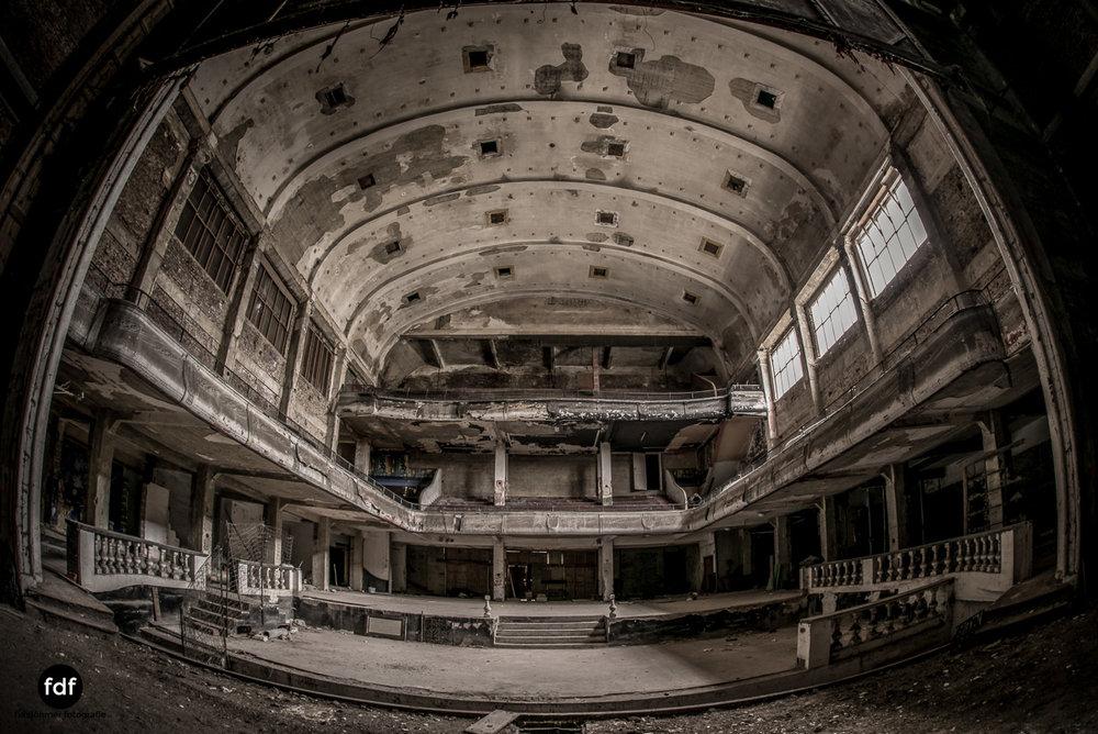 Theater-V-Kino-Cinema-Lost-Place-Belgien--4.JPG