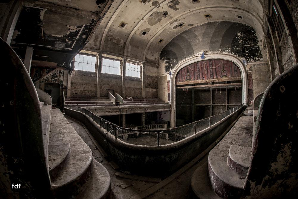Theater-V-Kino-Cinema-Lost-Place-Belgien--6.JPG