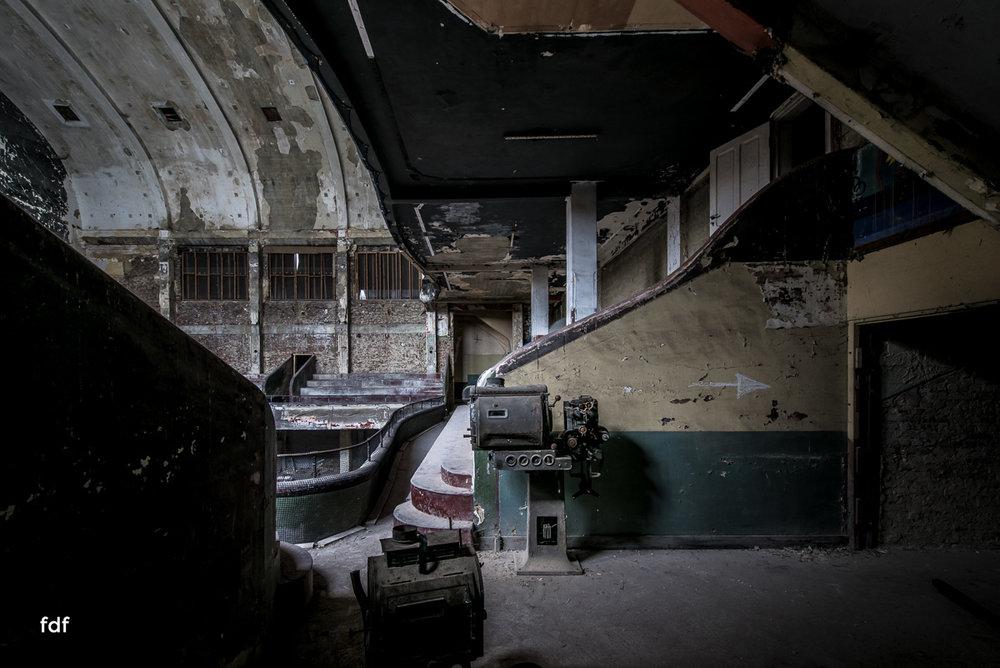 Theater-V-Kino-Cinema-Lost-Place-Belgien-52.JPG