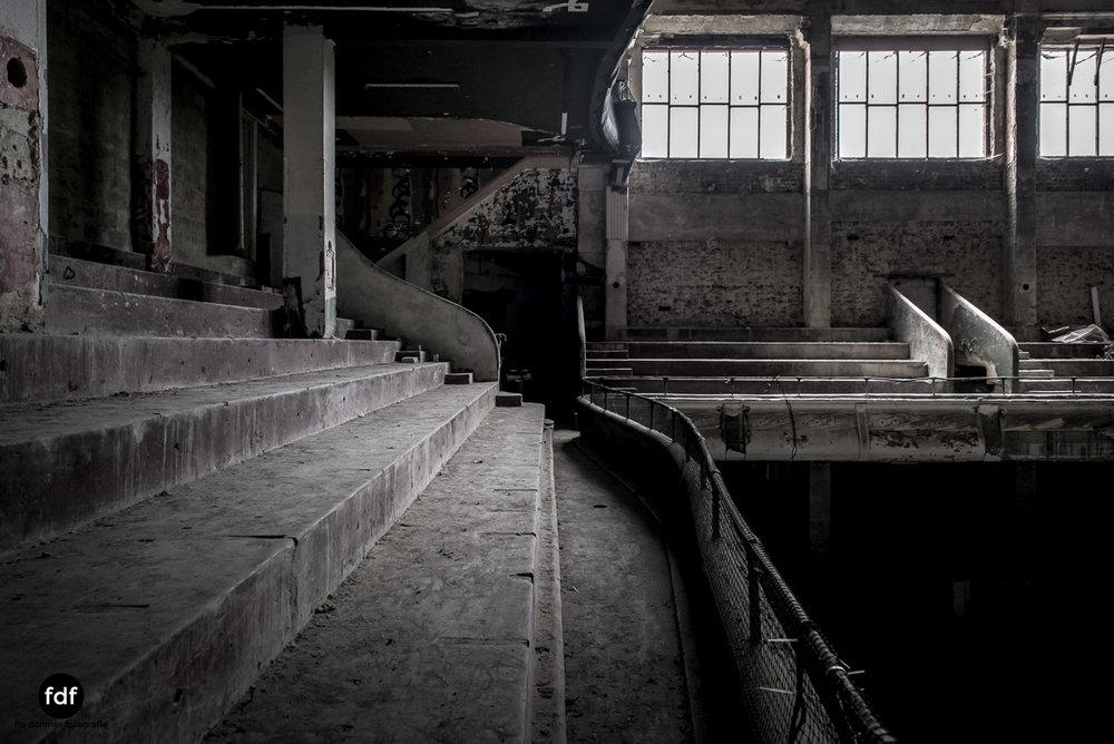 Theater-V-Kino-Cinema-Lost-Place-Belgien-60.JPG