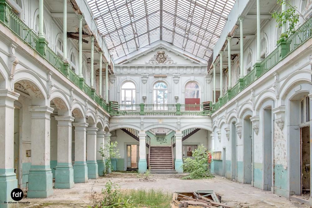Lycee-V-Schule-Lost-Place-Belgien--7.JPG