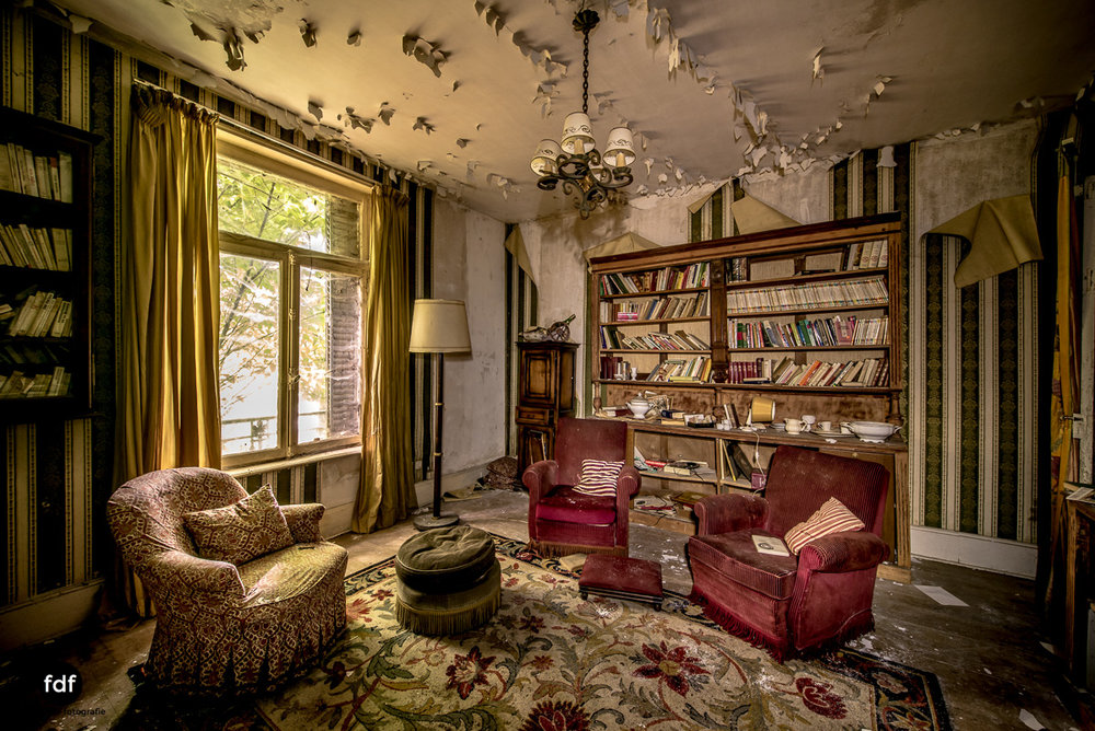 Manoir du Professeur-Herrenhaus-Lost Place-Urbex-Frankreich-4.JPG