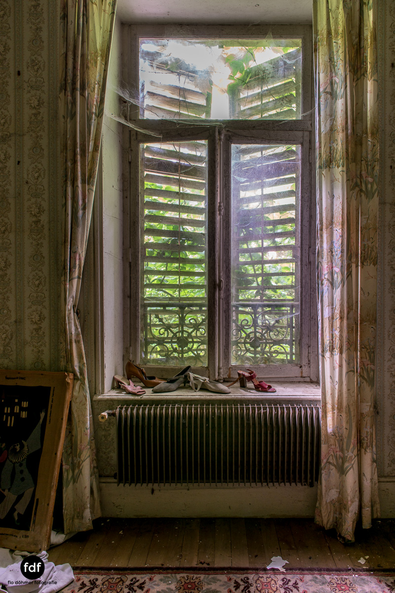 Manoir du Professeur-Herrenhaus-Lost Place-Urbex-Frankreich-100.JPG