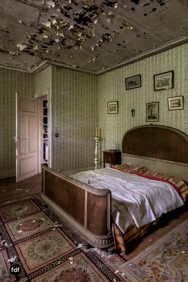 Manoir du Professeur-Herrenhaus-Lost Place-Urbex-Frankreich-102.JPG