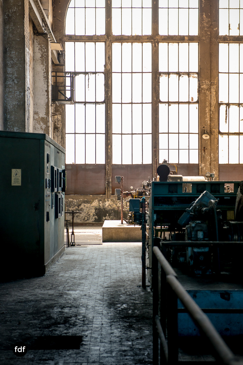 Alienworks-Kraftwerk-Lost-Place-Urbex-Frankreich--7.JPG