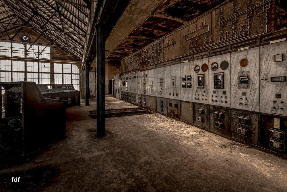 Alienworks-Kraftwerk-Lost-Place-Urbex-Frankreich--10.JPG