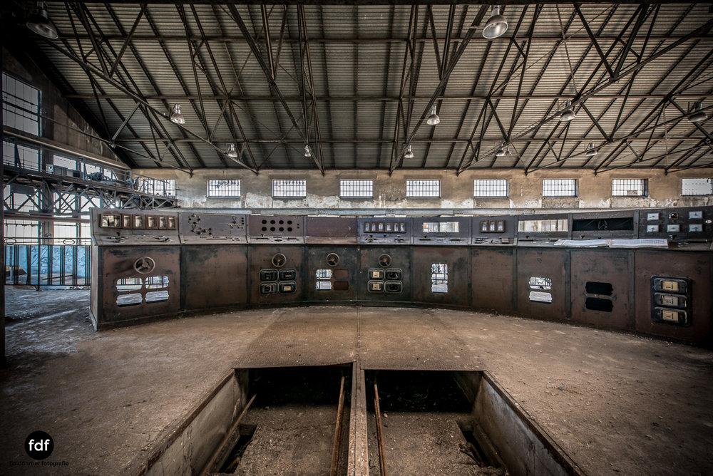 Alienworks-Kraftwerk-Lost-Place-Urbex-Frankreich--15.JPG