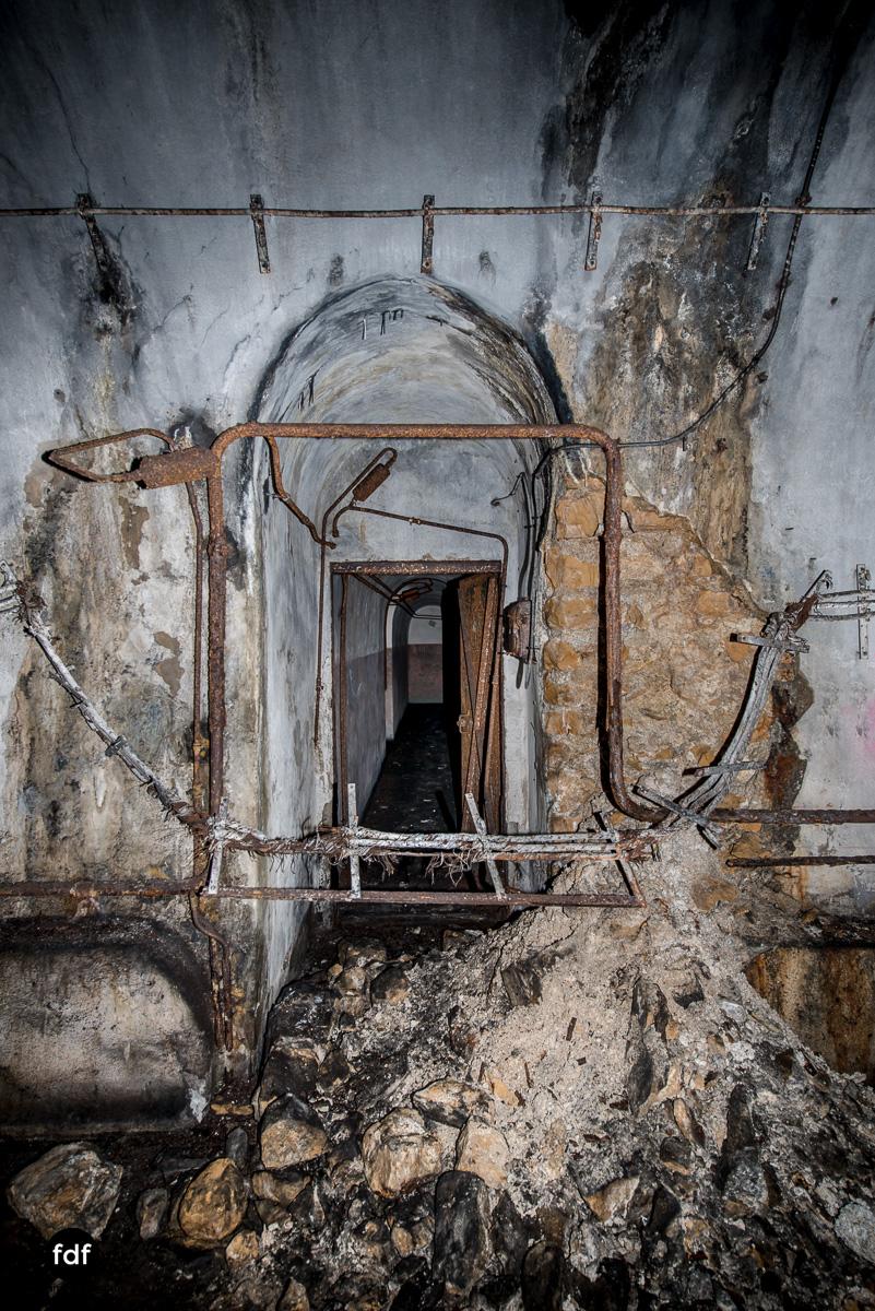 Metrich-Maginotlinie-Bunker-Weltkrieg-Lost-Place-Frankreich-175.JPG
