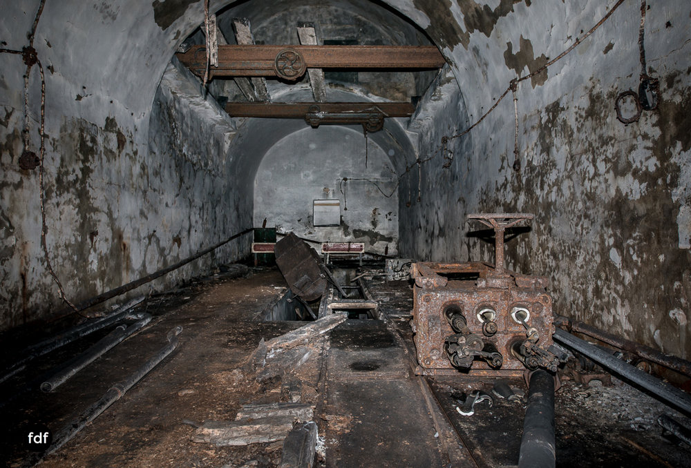 Metrich-Maginotlinie-Bunker-Weltkrieg-Lost-Place-Frankreich-179.JPG