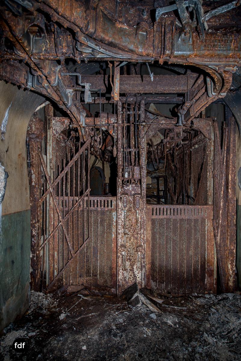 Metrich-Maginotlinie-Bunker-Weltkrieg-Lost-Place-Frankreich-245.JPG