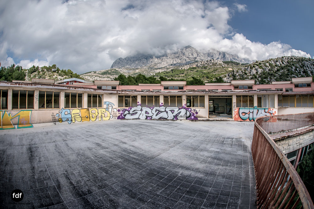 Kinder-Gesundheitszentrum-Volksarmee-Meer-Lost-Place-Kroatien-30.JPG