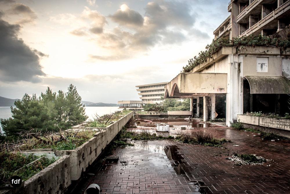 Hotel-Ruine-Bucht-Meer-Krieg-Lost-Place-Balkan-Kroatien-13.JPG