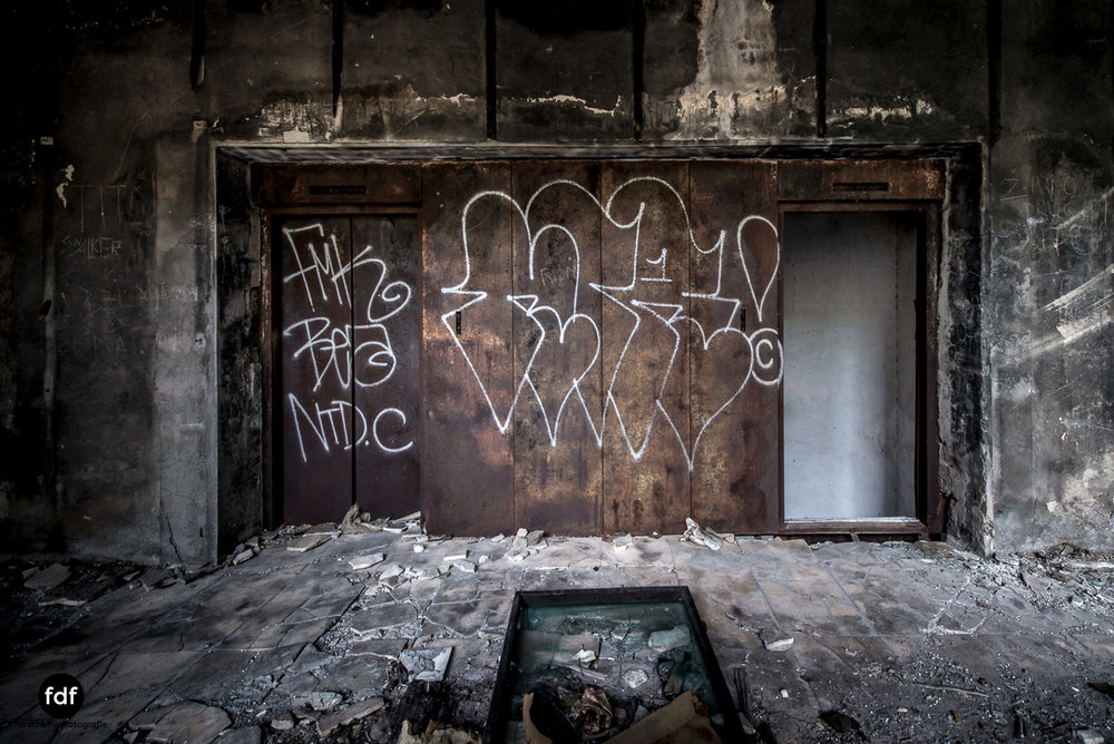 Hotel-Ruine-Bucht-Meer-Krieg-Lost-Place-Balkan-Kroatien-29.JPG