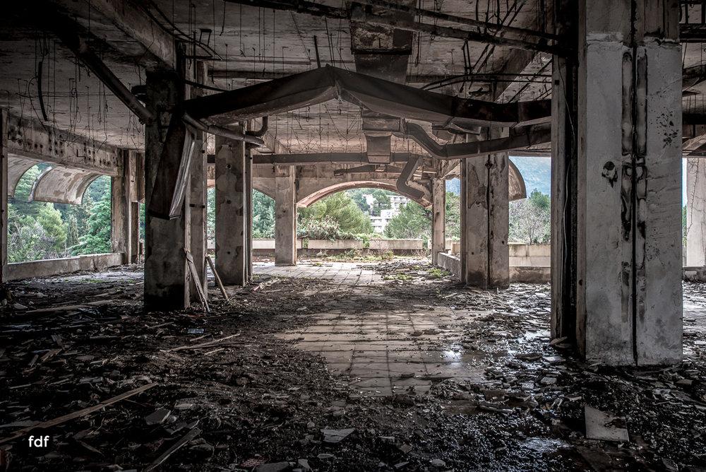 Hotel-Ruine-Bucht-Meer-Krieg-Lost-Place-Balkan-Kroatien-28.JPG