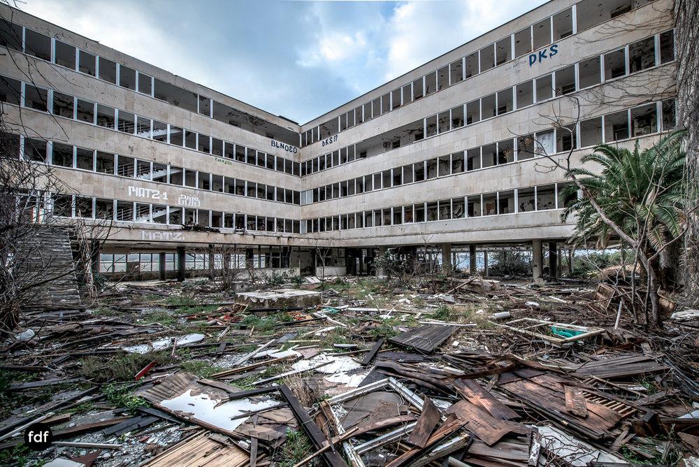 Hotel-Ruine-Bucht-Meer-Krieg-Lost-Place-Balkan-Kroatien-63.JPG
