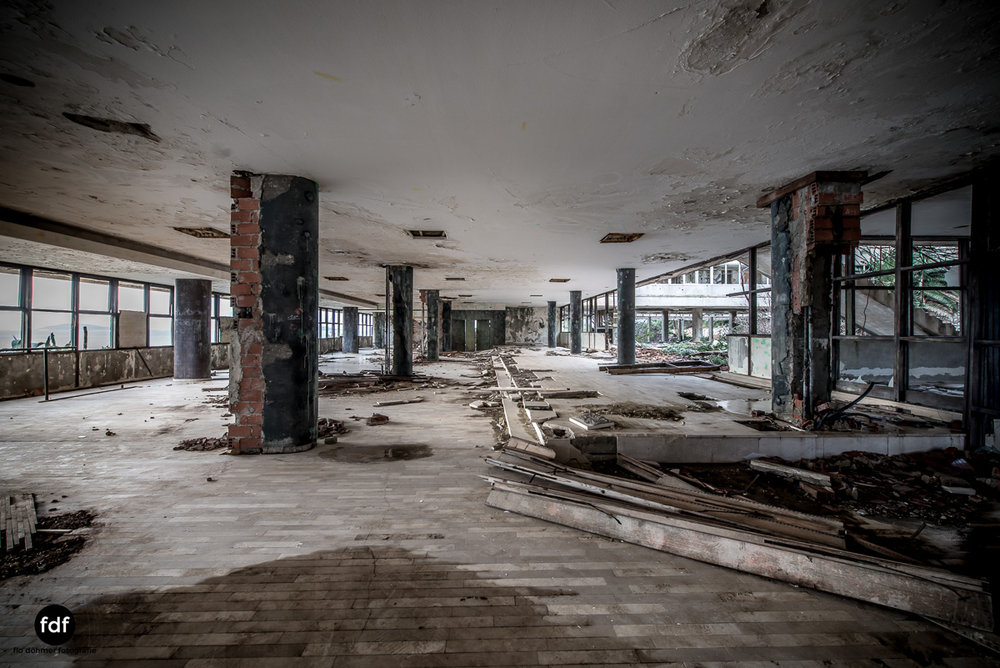 Hotel-Ruine-Bucht-Meer-Krieg-Lost-Place-Balkan-Kroatien-67.JPG
