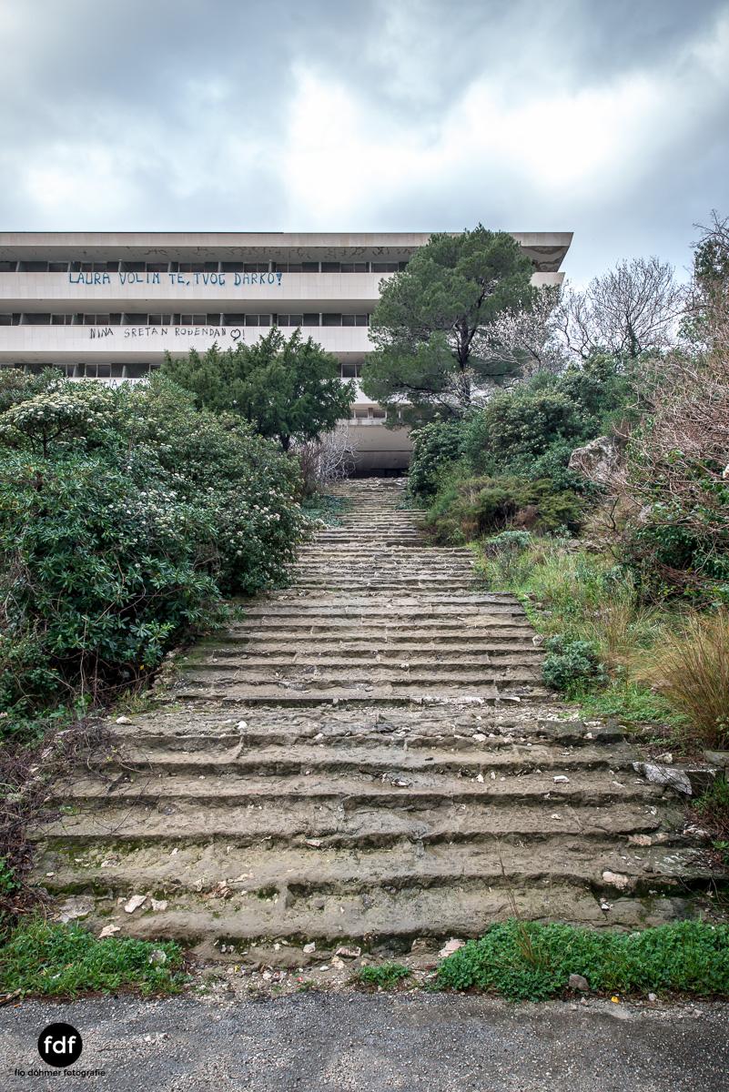 Hotel-Ruine-Bucht-Meer-Krieg-Lost-Place-Balkan-Kroatien-91.JPG