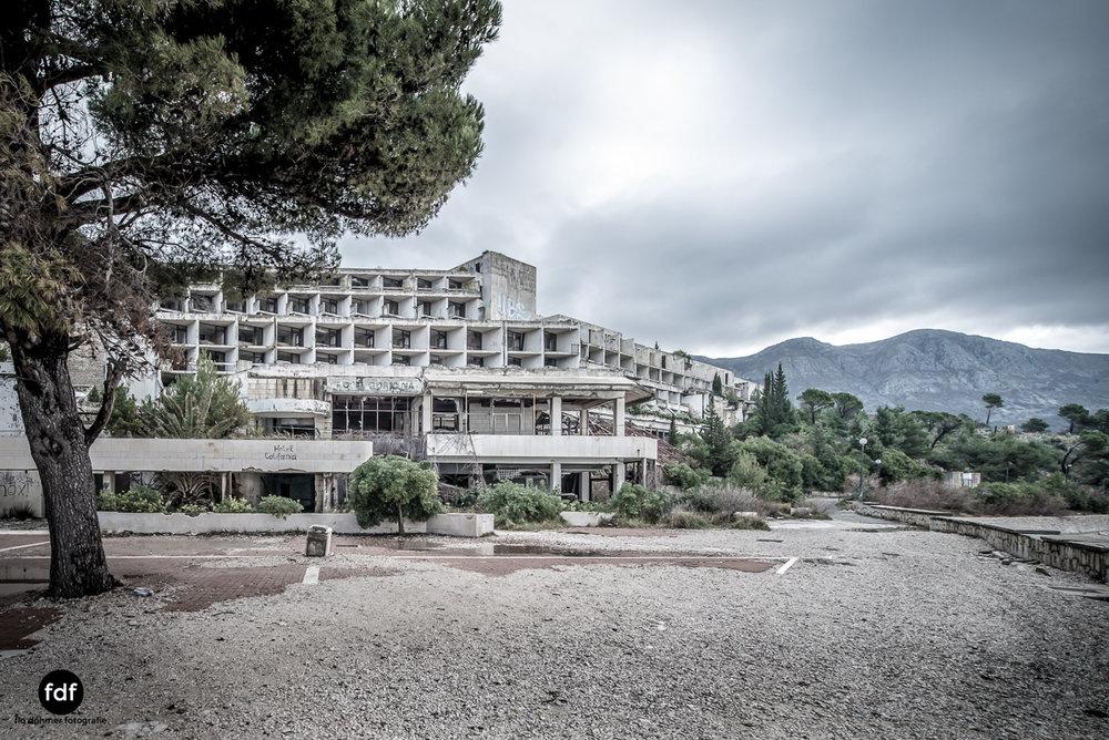 Hotel-Ruine-Bucht-Meer-Krieg-Lost-Place-Balkan-Kroatien-103.JPG