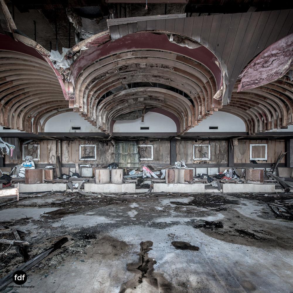 Hotel-Ruine-Bucht-Meer-Krieg-Lost-Place-Balkan-Kroatien-113.JPG