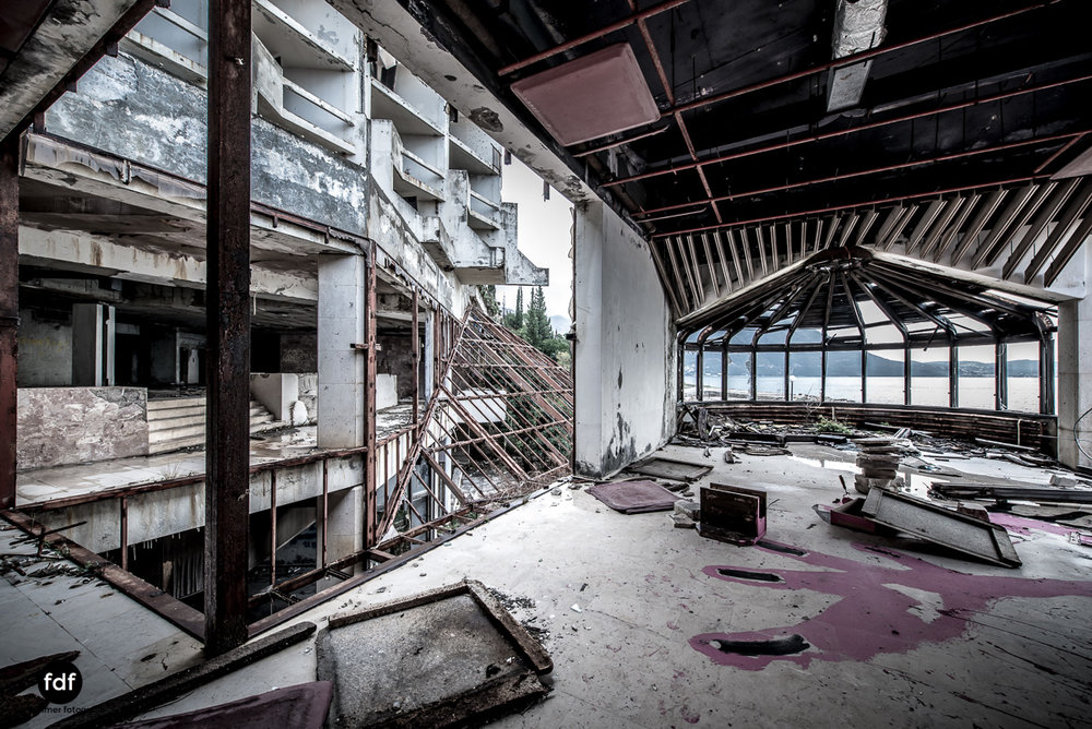 Hotel-Ruine-Bucht-Meer-Krieg-Lost-Place-Balkan-Kroatien-118.JPG