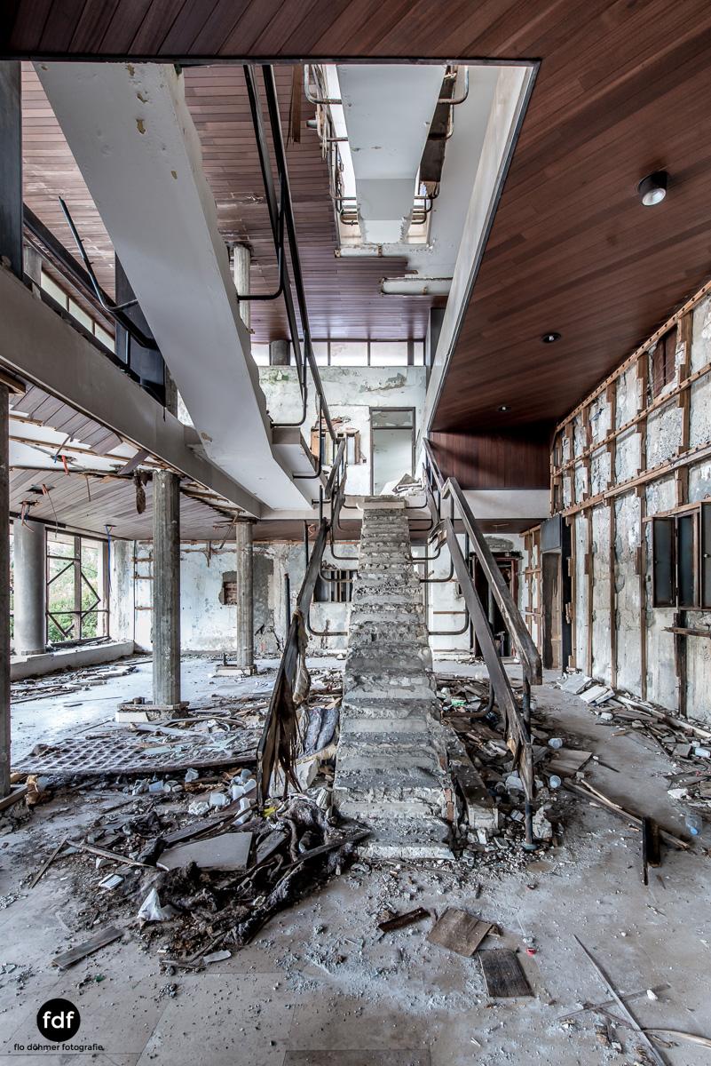 Hotel-Ruine-Bucht-Meer-Krieg-Lost-Place-Balkan-Kroatien-138.JPG